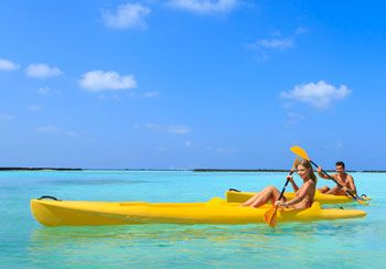 Stay-in-a-5 Star-Resort-in-the-Maldives